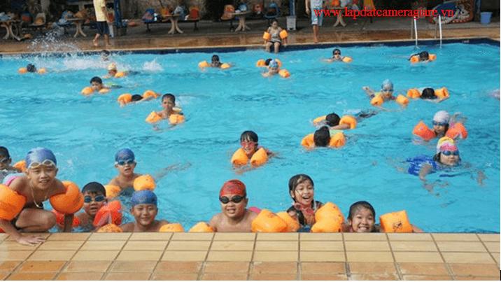 Lắp đặt camera gia rẻ cho hồ bơi